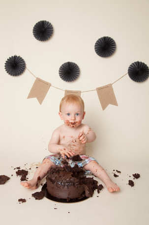 Cake Smash with Chocolate Cake-2.jpg