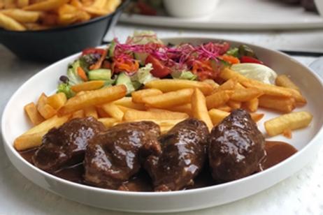 Hoofdgerecht: Varkensstoofpotje met graanmosterd en Luikse stroop