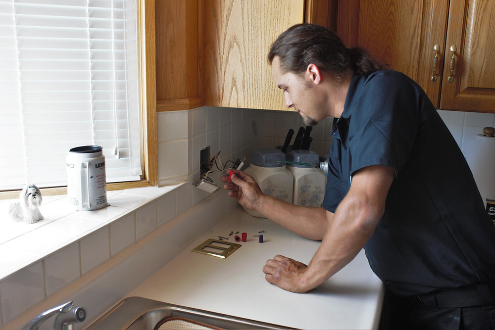 Important questions to ask before hiring an electrical contractor