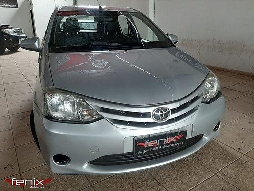 Toyota Etios XS 1.5 Hatch - 2014/14