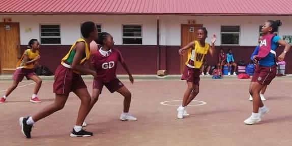 Netball girls in practice mode