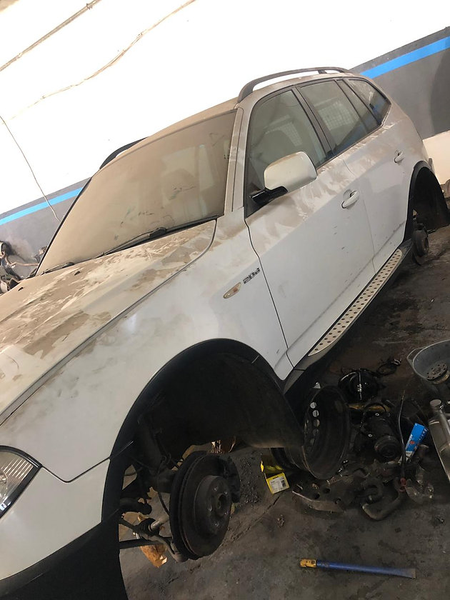 X3 E83 2006 2 0l And 520d E60 2008 Now Stripping At Hunters Fitment