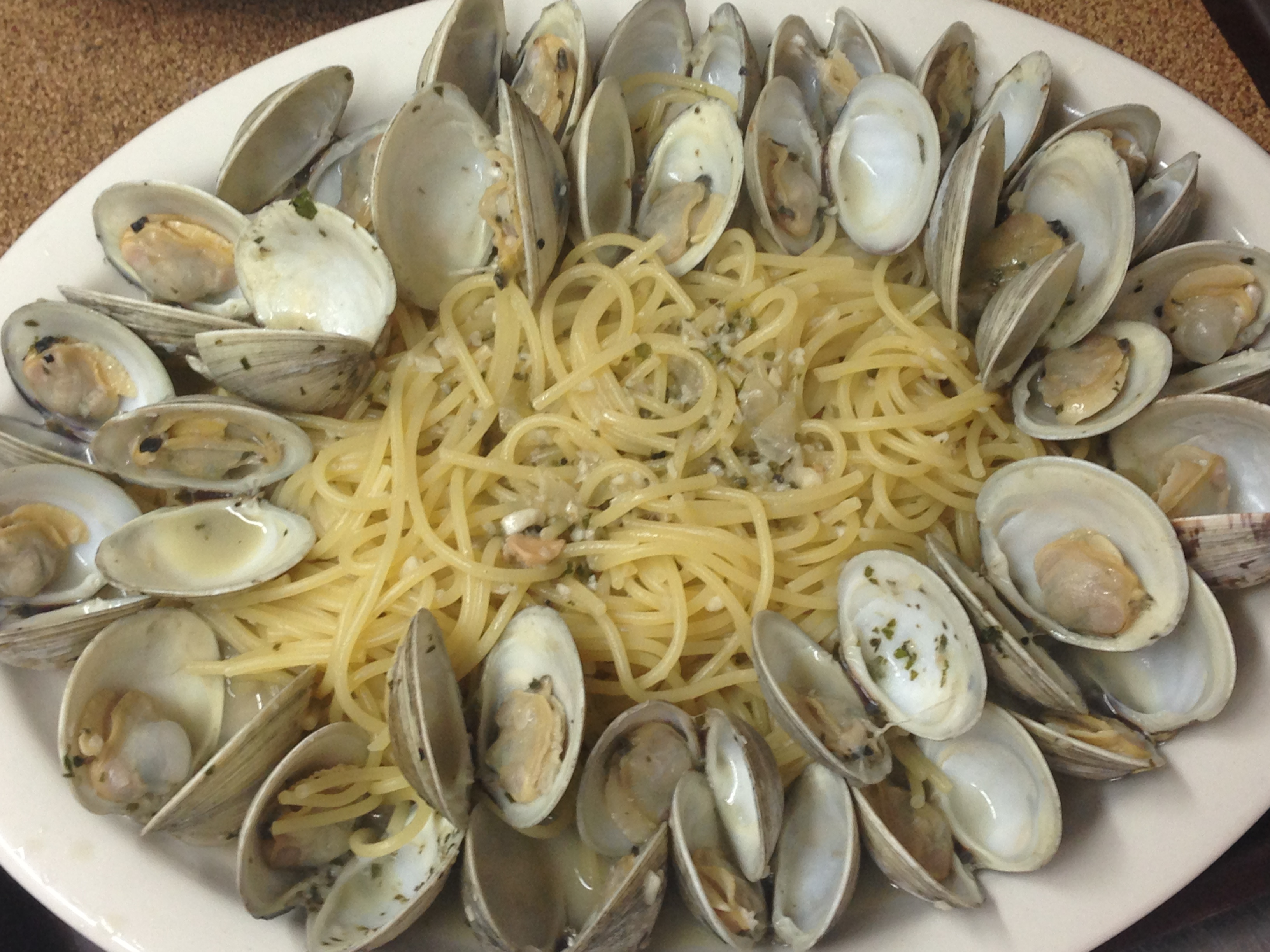 Dino's Seafood:Linguini with Clams