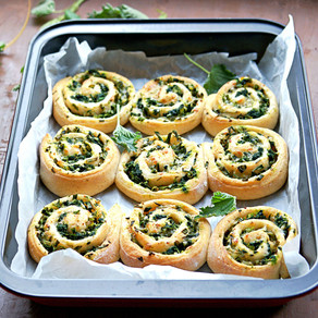 Cheesy Pesto Scrolls