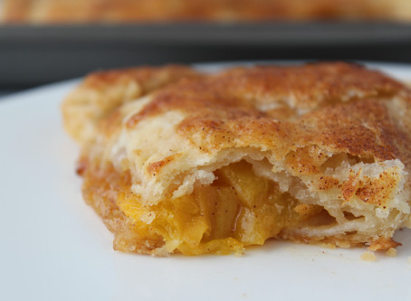 Cinnamon Peach Pie Pockets