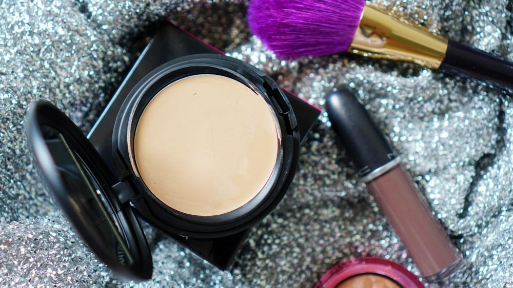 รีวิว รองพื้น แป้ง กันน้ำ Waterproof Foundation BYS cosmetics