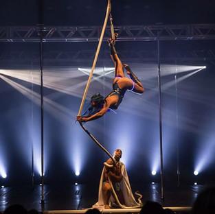 Um ensaio sobre festivais de pole dance