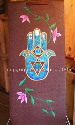 Aline Marie yogamats Hand of Hamsa