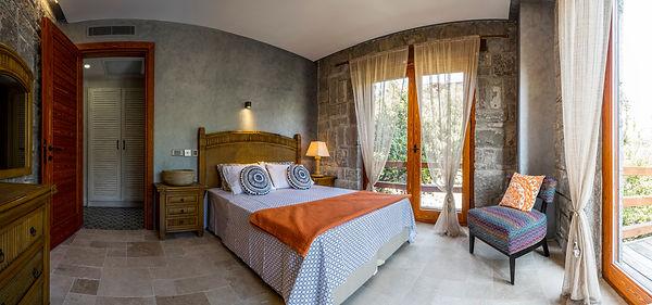 Mindoza bedroom