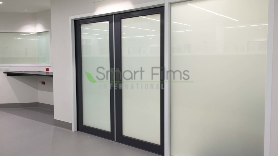 Smart Glass as a  Replacement for Traditional Hospital Curtains