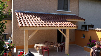 Avancée toiture en bois