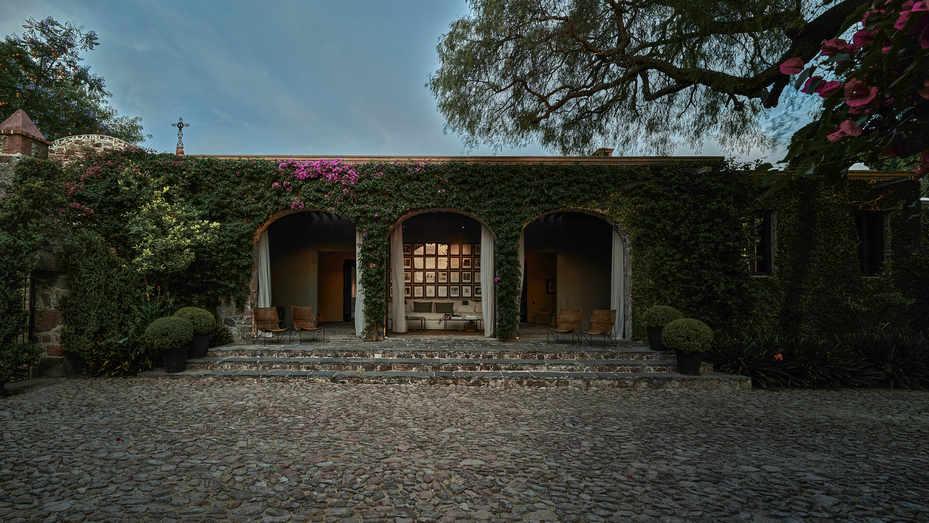 Hacienda Calderon - Fachada ajuste 1.jpg