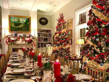 Top 10 Small Touches to Make Your House Feel Holiday Ready Even If You Don't Put Up A Tree