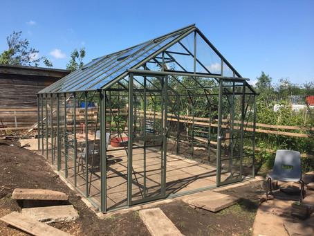 Greenhouse all glazed!