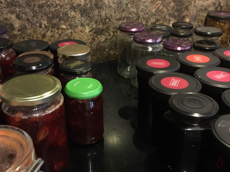 We're jammin' again- bramble jelly recipe this time!