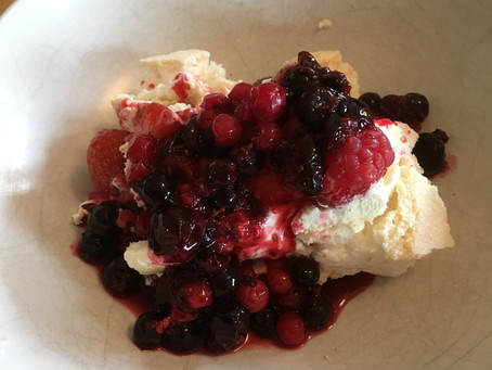 Recipe: Summer fruits pavlova
