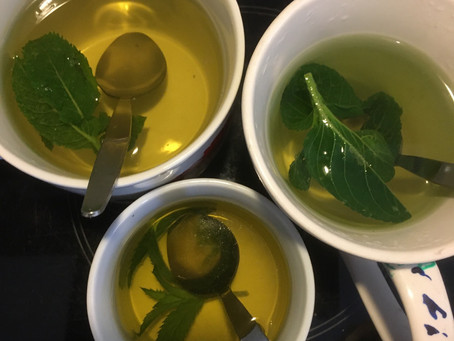 Recipe: Fresh mint or lemon balm tea