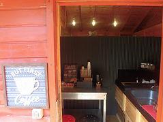森のカフェ内部.jpg