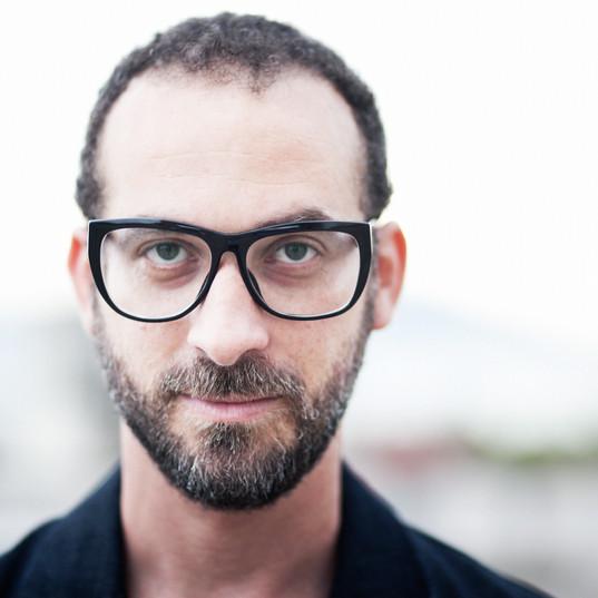 Lucas Santtana Acústico
