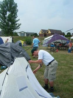 Zelte aufbauen in 'de Bijland'