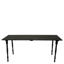 SHANIA TABLE