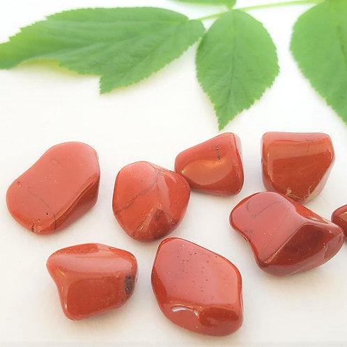 Jaspis, röd  - trumlad sten