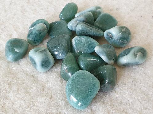 Aventurin grön - trumlad sten