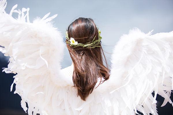 Angel-photo-by- sommi-h-yb5TjYJ-I-unspla