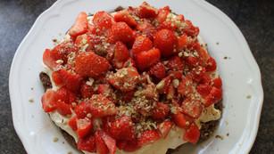 Choklad- & jordgubbstårta