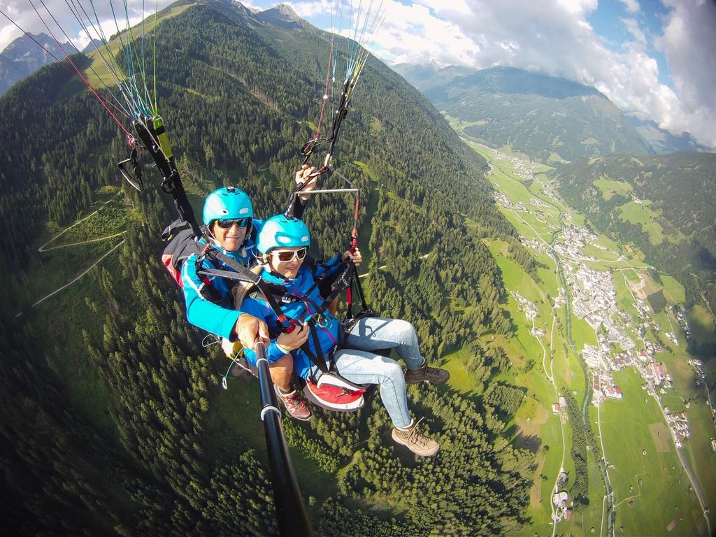 Paragliding | Dougs Mountain Getaway
