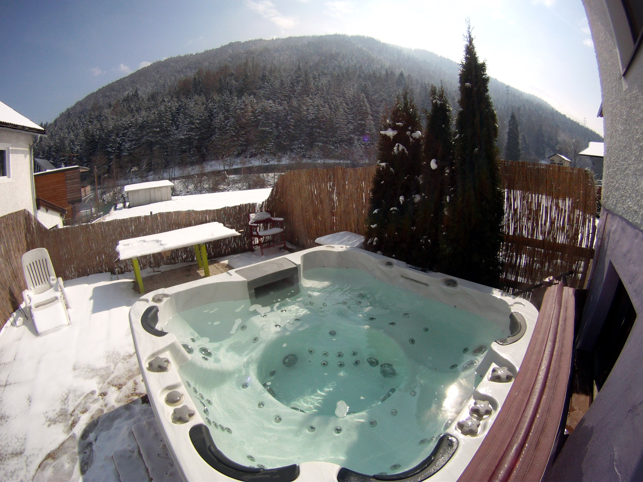 Hot-tub | Doug's Mountain Getaway