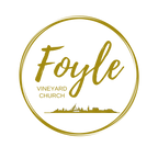 Foyle Vineyard logo circle gold with sky