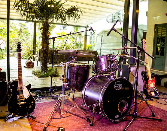 Live Wedding Band Le Petit Chateau