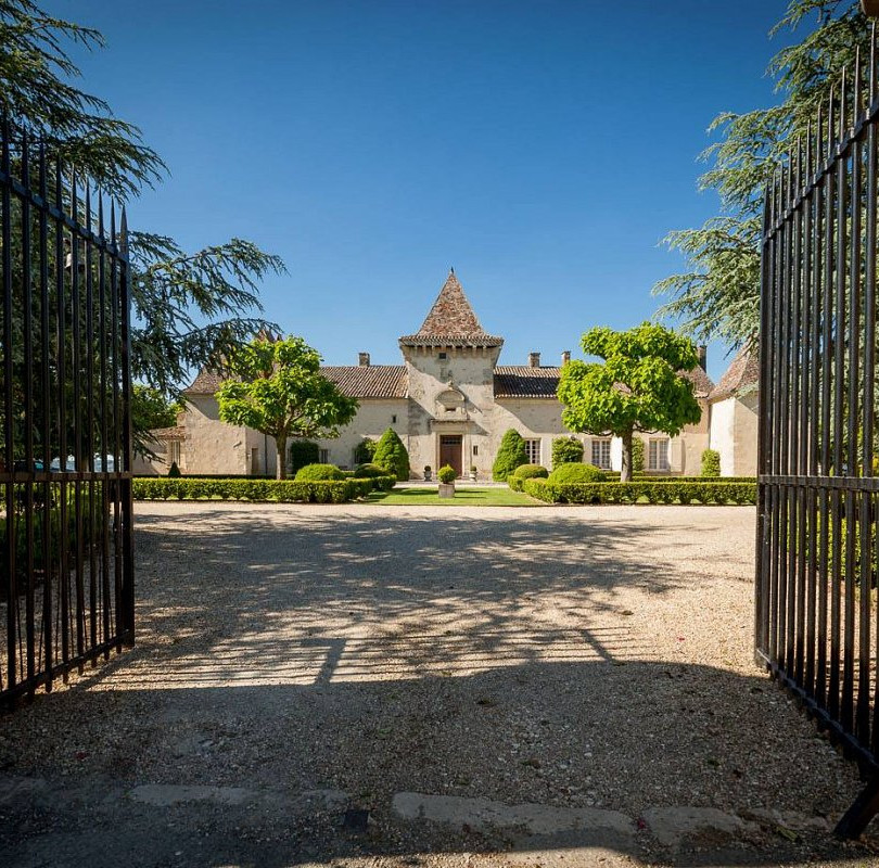 chateau soulac front.jpg