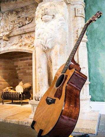 Wedding Acoustic Singer Le Petit Chateau