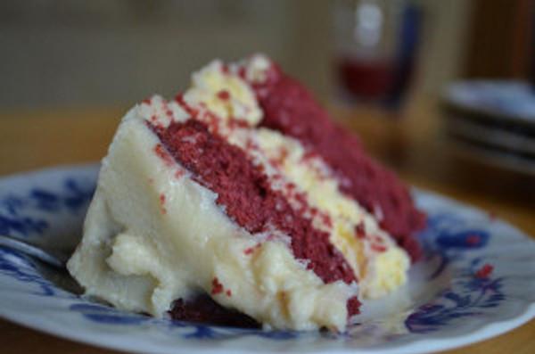 red-velvet-cheesecake_l