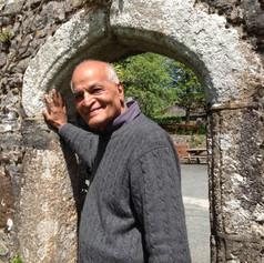 """Satish Kumar, pensador y educador, autor de """"Tierra, alma y sociedad"""""""
