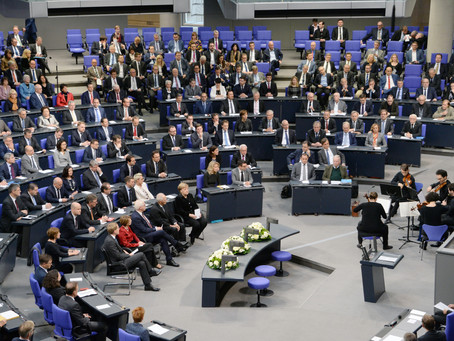 "Remembering the ""Day of German Fate"" at the Bundestag"