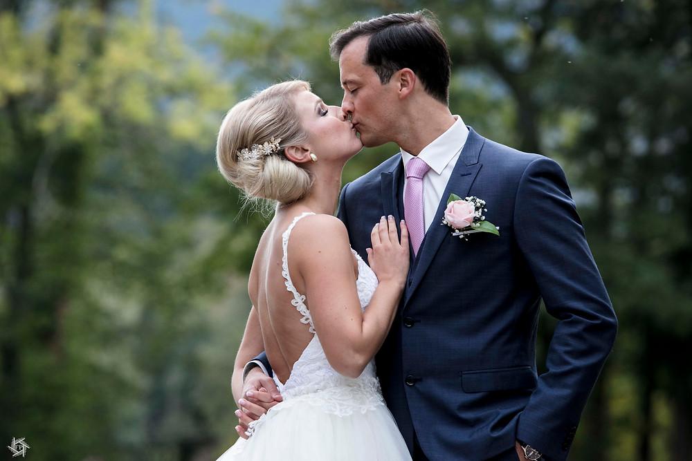Couple de marié - bisous