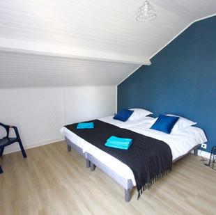 Chambre_bleue_deux_lits_etage_2.jpg