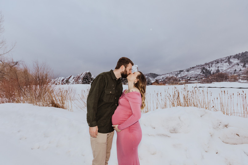 Rebecca + Chance - Colorado Maternity Se