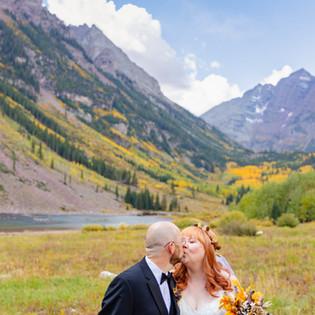 Fall Elopement at Maroon Bells | Colorado Elopement Photographers | Aspen Photography + Films