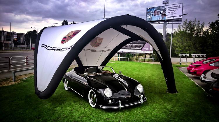 Porsche display pavilion signus.jpg