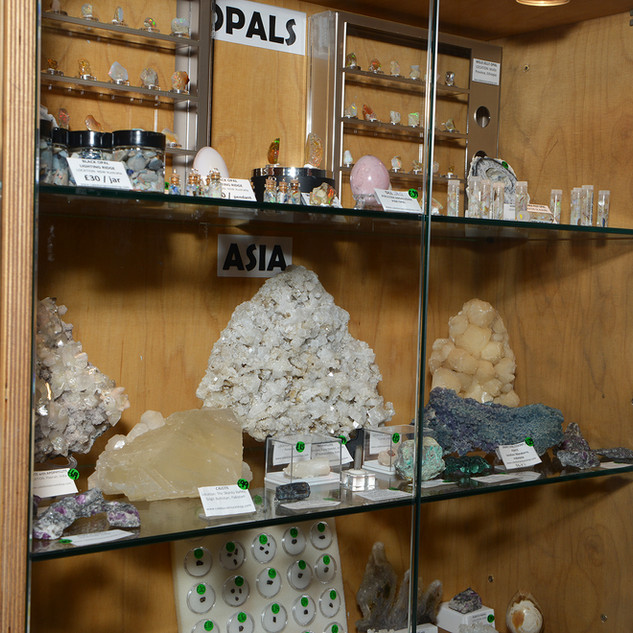 Opals and Asian minerals