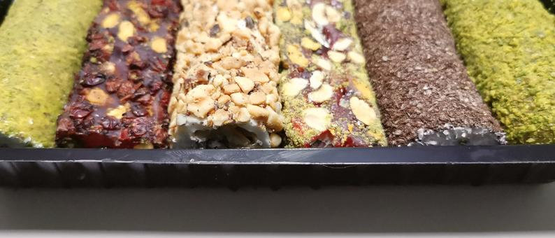 Gulluoglu Assorted Turkish Delight 2.2 lb - 1000 gr ( 6 XXL Pieces)