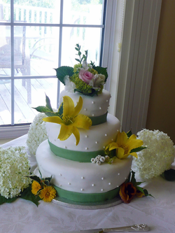 White Fondant with Yellow Lilies