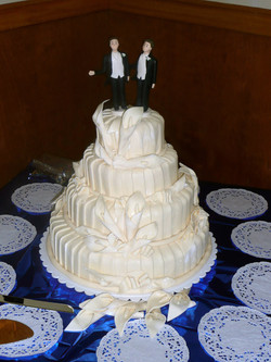 Traditional with fondant layers