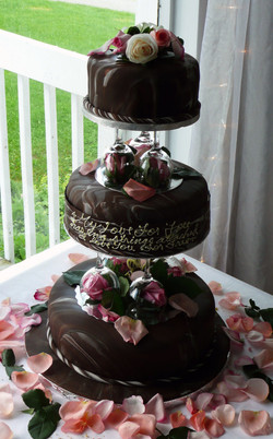 Triple Layer Chocolate Fondant Marble with Fresh Pink Roses