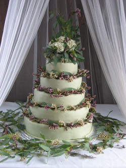 Multi-layers - Green cake with flowers