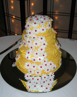 Yellow Butter Cream with Flowing Daisies